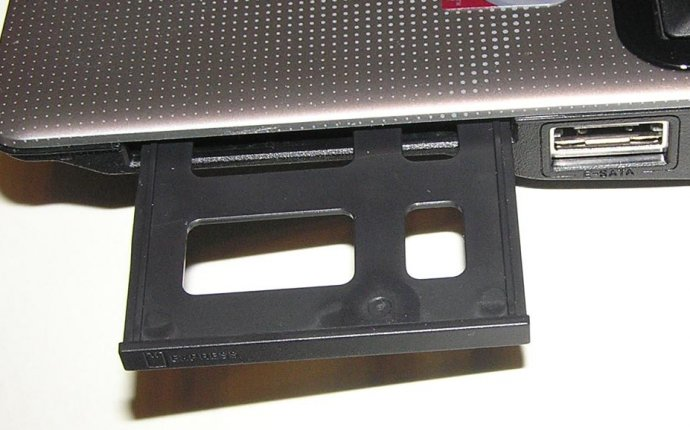 ASUS M51Sr: слот ExpressCard
